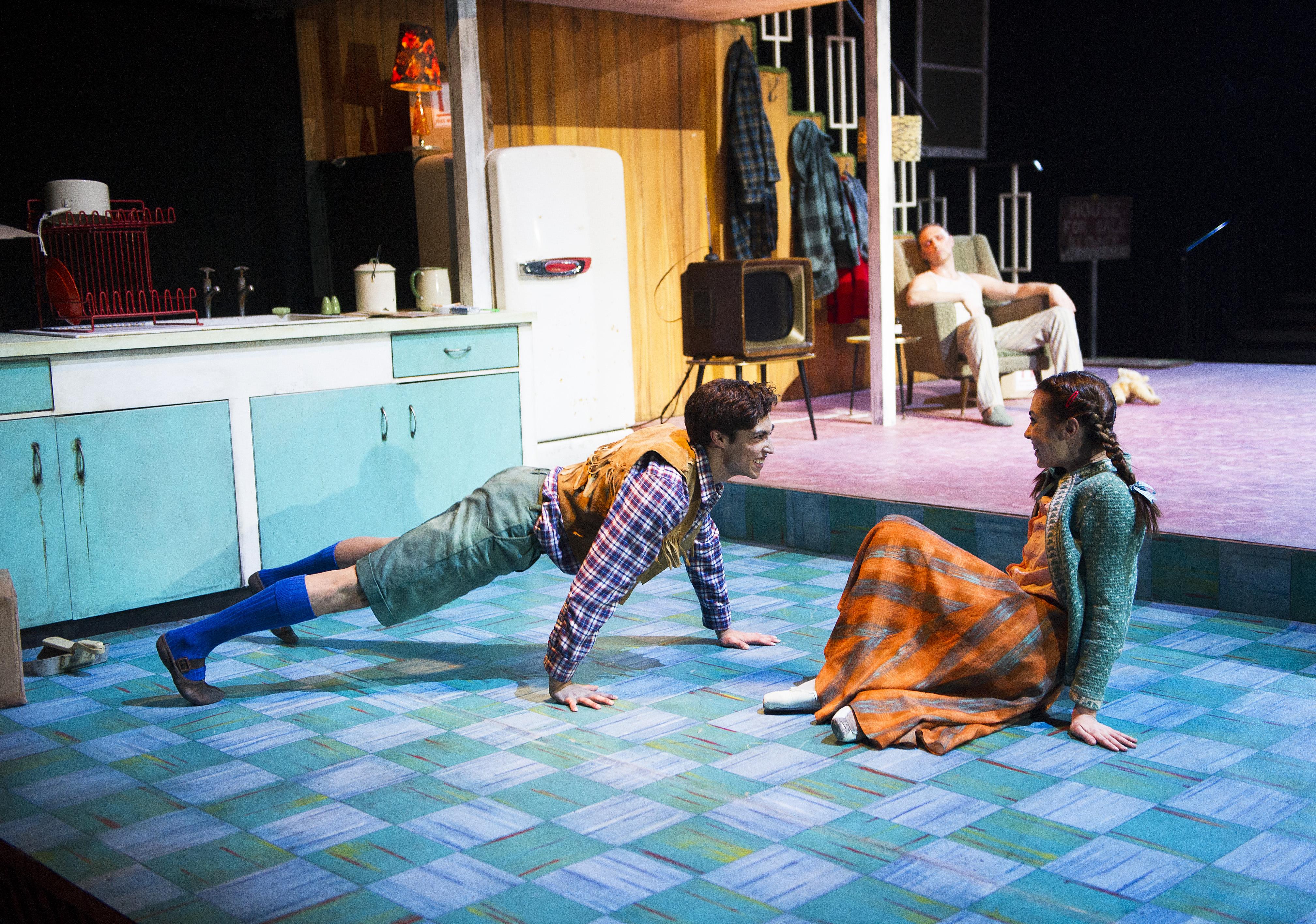 Hansel and Gretel au Linbury Studio (distribution de la première) - copyright Tristram Kenton, courtesy of ROH