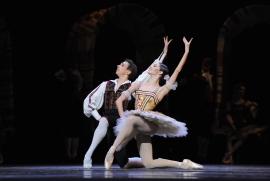 Don-Quichotte-Denys-Cherevychko-Maria-Yakovleva-c-Wiener-Staatsballett-Domo-Dimov