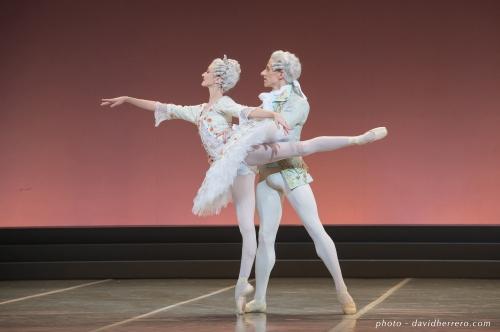 Lauren Kennedy et Matthew Astley. La Belle au bois dormant. Photo David Herrero. Courtesy of Ballet du Capitole.