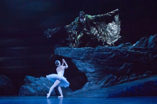 Alina Cojocaru as Odile & James Streeter as Rothbart. English National Ballet. Photo: Arnaud Stephenson