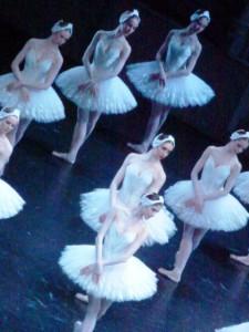 Le corps de ballet aux saluts de la soirée du 8 avril 2015.