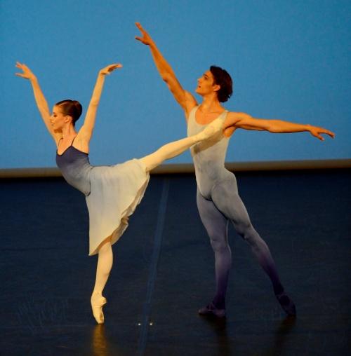 Aus Holbergs Zeit Ch: John Cranko Tänzer/ dancers: Elisa Badenes, Daniel Camargo