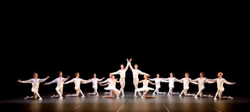 Konzert für Flöte und Harfe Ch: John Cranko Tänzer/ dancers: Elisa Badenes, Alexander Jones, Friedemann Vogel, Alicia Amatriain, Ensemble