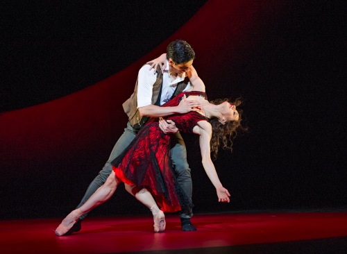 Escamillo et Carmen, photo Tristram Kenton, courtesy of ROH