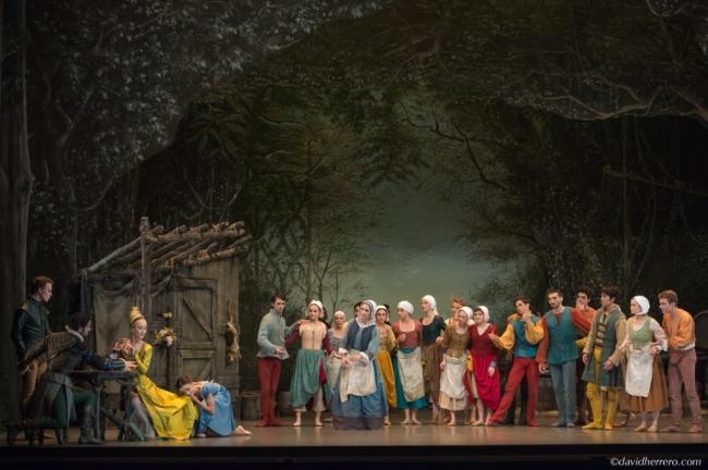 Bathilde (Juliette Thélin) et Giselle (Maria Gutierrez). Crédit David Hererro