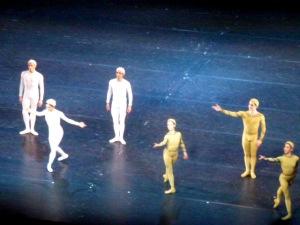 Le trio blanc : Watson, Nunez, Hristov et le trio vert : Maguire, Dyer et Naghdi