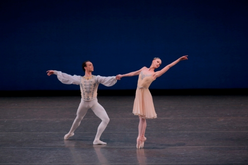 Teresa Reichlen and Tyler Angle in George Balanchine's Tschaikovsky Piano Concerto No. 2. Photo credit Paul Kolnik. Courtesy of Les Etés de la Danse