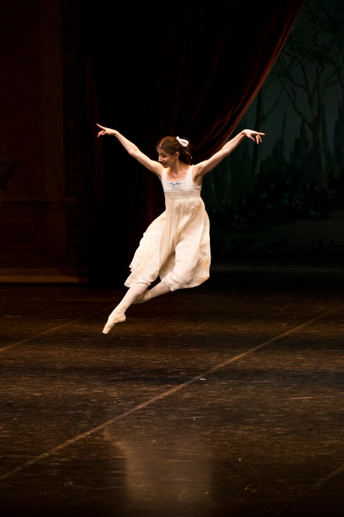 Alina Cojocaru - Der Nussknacker - Courtesy of Hamburg Ballett - (c) Kiran West