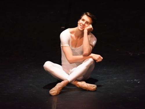 David Moore dans Brouillards - © Stuttgarter Ballett