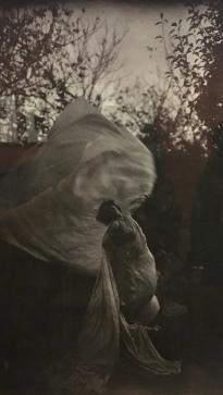 Eugène Druet. Loïe Fuller dansant. Avant 1900.