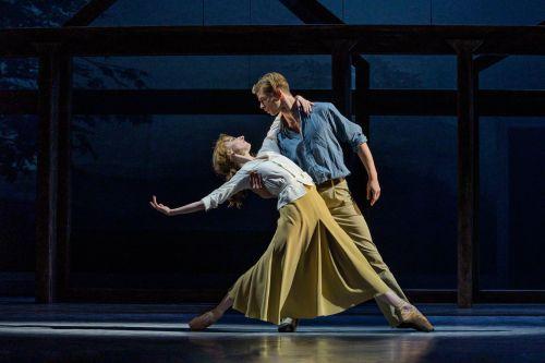 Mizzy Matiakis et Gregory Dean - Blixen - (c) Henrik Stenberg, courtesy of Danish Royal Ballet